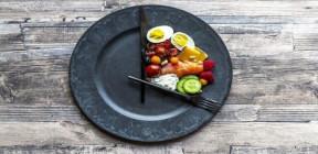 دراسة جديدة تدحض اعتقادا سائدا حول علاقة الصيام المتقطع بفقدان الوزن