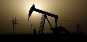 مخزونات النفط الأمريكية تهبط لأدنى مستوى لها منذ ثلاث سنوات
