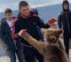 شاهد.. البطل الروسي حبيب نورمحمدوف يعود لمصارعة الدب