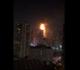 اندلاع حريق كبير في مبنى سكني متعدد الطوابق في الإمارات (فيديو)